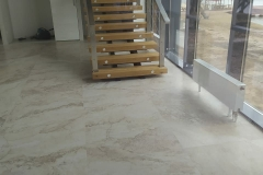 Лестница на каркасе металл дерево 3 ригеля