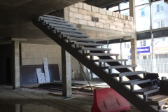 Лестница на каркасе металл