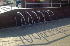 Металлические ограждения, велопарковки