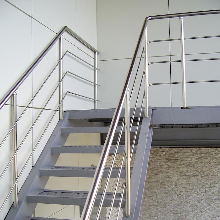 Где купить металлические перила для лестницы
